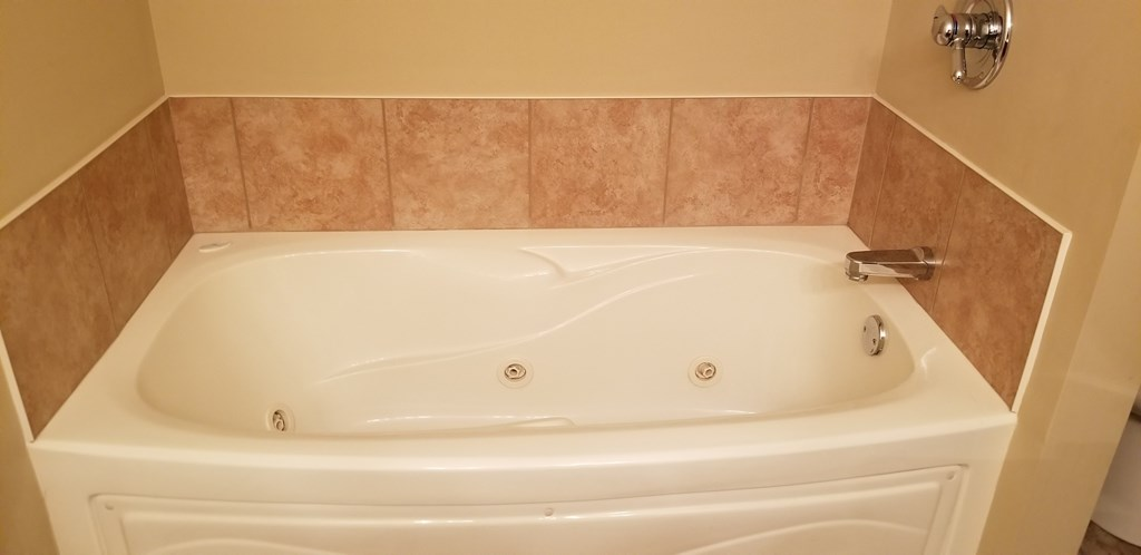 Jetted Master Tub